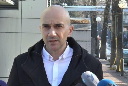 Д-р Злате Мехмедовиќ: Немаме, а треба да има национален протокол за лекување ковид
