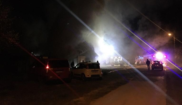 Изгоре ноќен клуб во Загреб