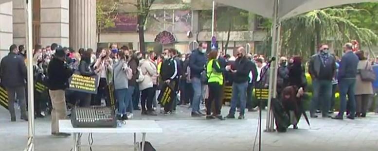 ВО ЖИВО: Угостителите и туристичките работници пред МФ, ќе протестираат сè до исполнување на нивните барања