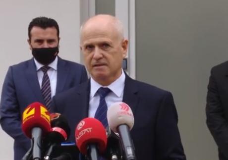 Пауновски не ги прима рамковно вработените, Заев бара да се почитува законот