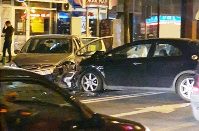 Тешка сообраќајка во центарот на Скопје