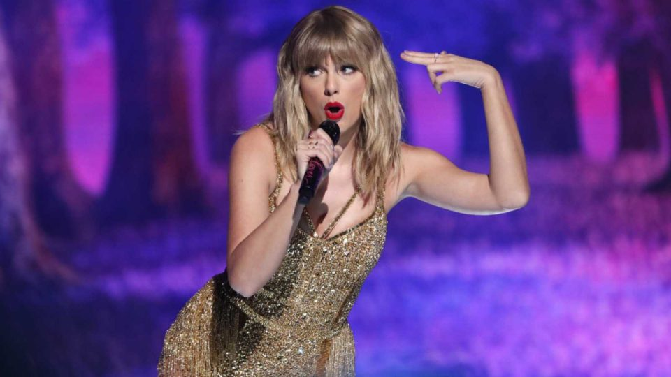 Тејлор Свифт најплатена музичарка за 2020 година, во пандемија зааботи над 20 милиони