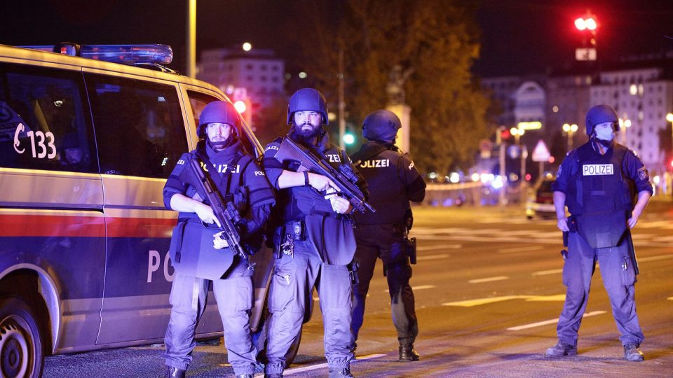 Уапсен малолетник со македонско потекло, се заканувал со терористчки напад во Виена