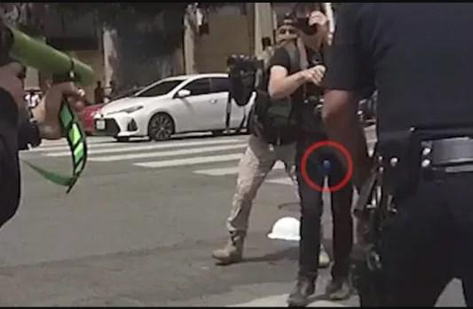 Тестисот му експлодираше откако полицијата го погоди со гумен куршум