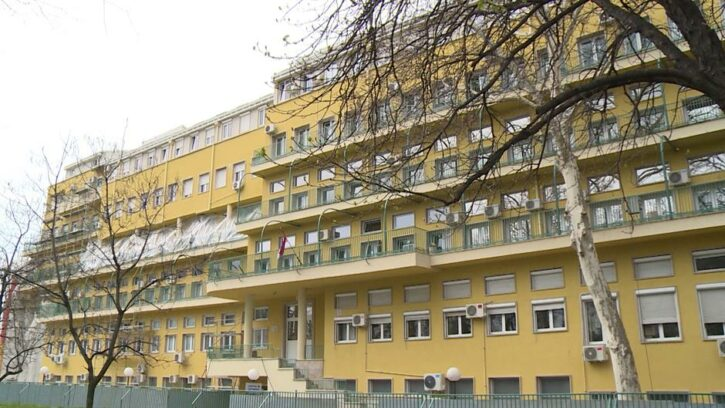 Во Србија почина бебето заразено со ковид-19 кое беше приклучено на респиратор