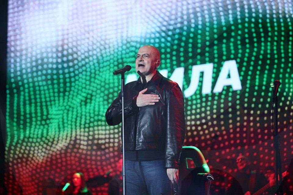 Слави Трифонов вечерва нема да ги коментира резултатите од изборите