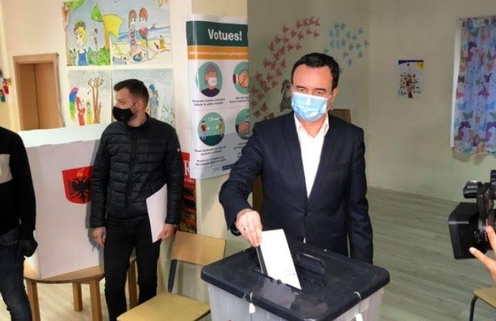 Вучиќ: Курти испрати јасна порака со гласањето на изборите во Албанија
