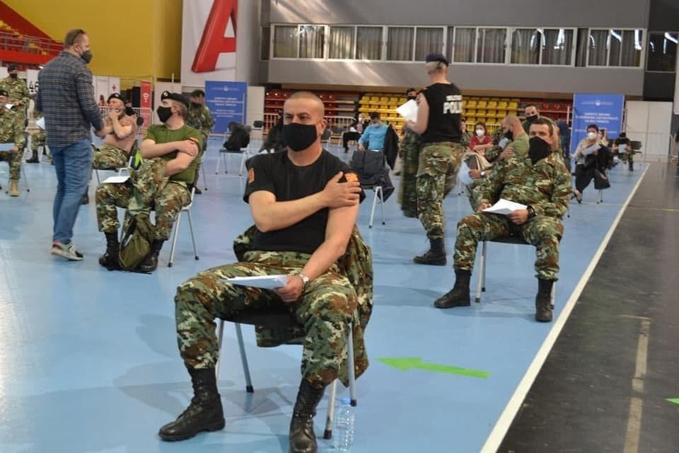 Геостратегија: Армијата на Шекеринска е единствената НАТО армија која се вакцинира со руски вакцини донирани од Србија