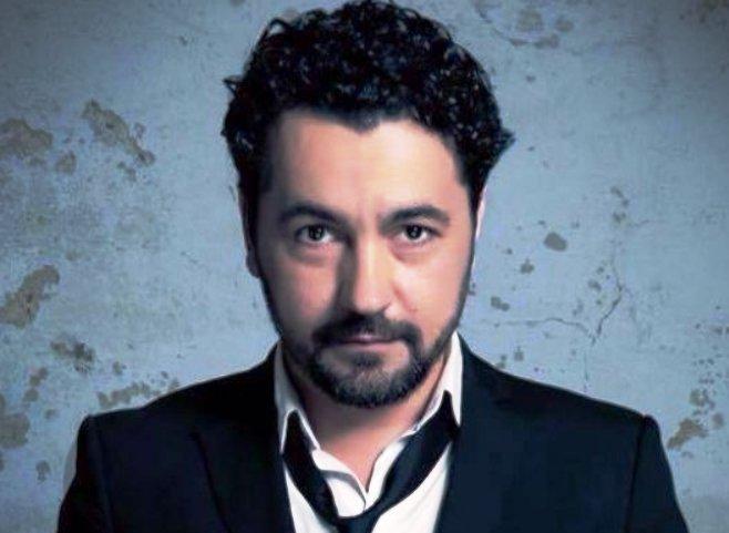 Висар Вишка до министерката за култура: Актерите од театарот во Гостивар одат по нужда во блиската џамија