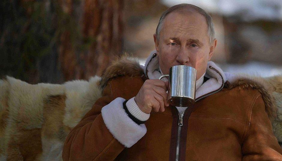 Помалку од премиерот: Колку заработил Путин во 2020 година?
