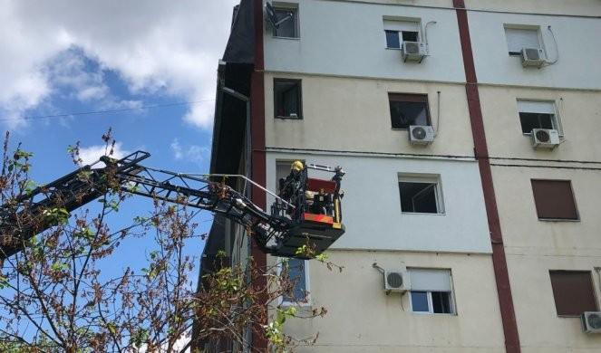 24 луѓе спасени од опожарена зграда во Нови Сад: Бебе и мало девојче итно се пренесени во болница