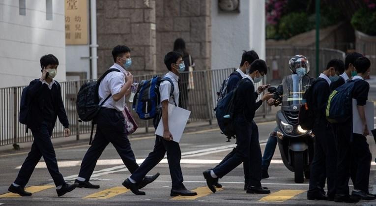 Кина забрани странски наставни програми во приватните училишта