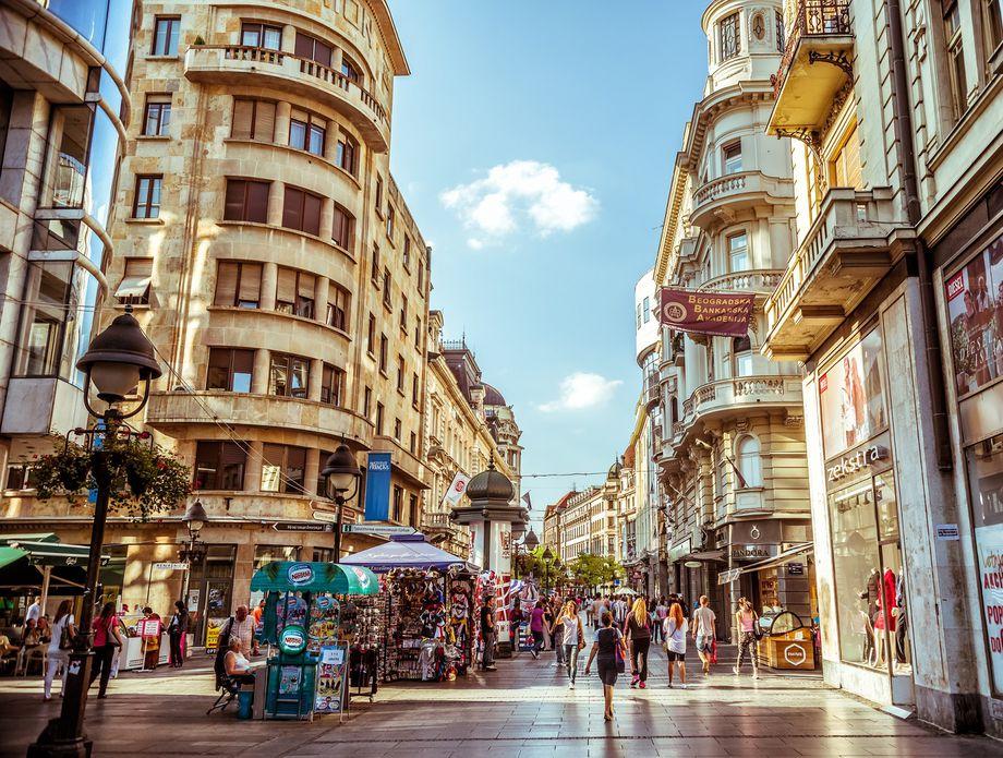 Во Белград од сабота се враќа животот по старо