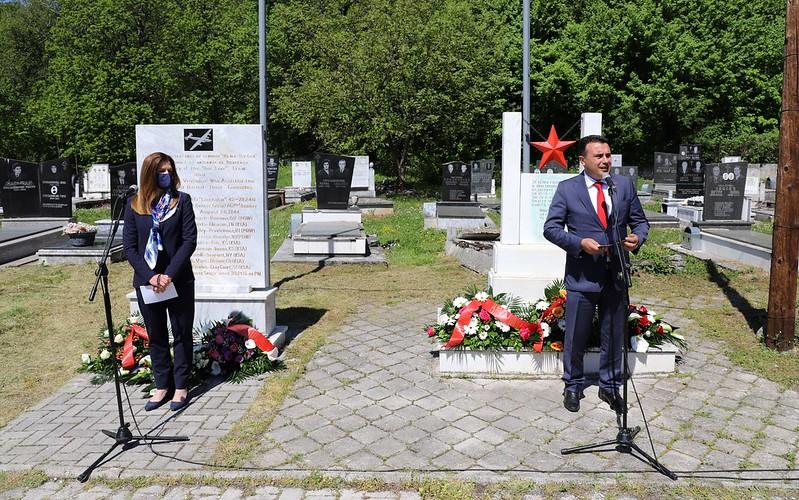 Заев: Вечна слава на сите кои ги дадоа своите животи во борбата против фашизмот