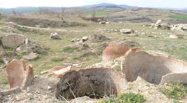 Се распаѓа Билазора, престолнината на Пајонците кај Свети Николе