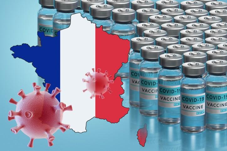 Во Франција 30 милиони лица примиле барем една доза вакцина