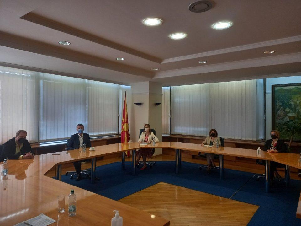 Работна средба на гувернерката со претставници на Независната угостителска комора