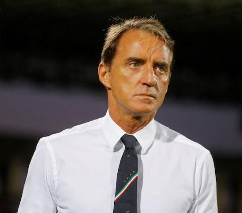Манчини нема намера да си замине од селектор на Италија
