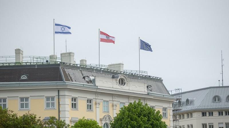 Ирански министер ја откажа посетата на Австрија поради израелското знаме