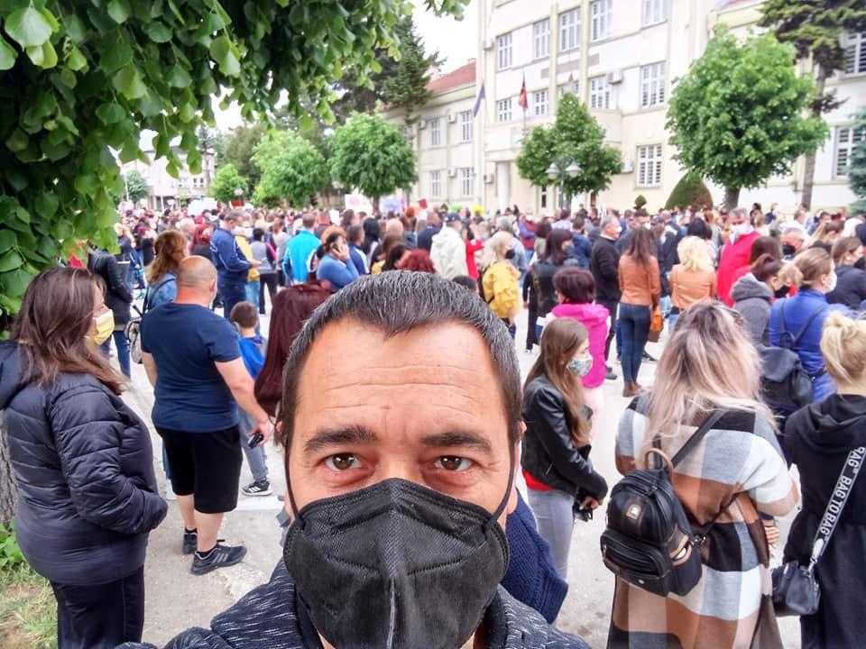 Битолчани од протестот порачаа: Се работи за иднината на нашите деца