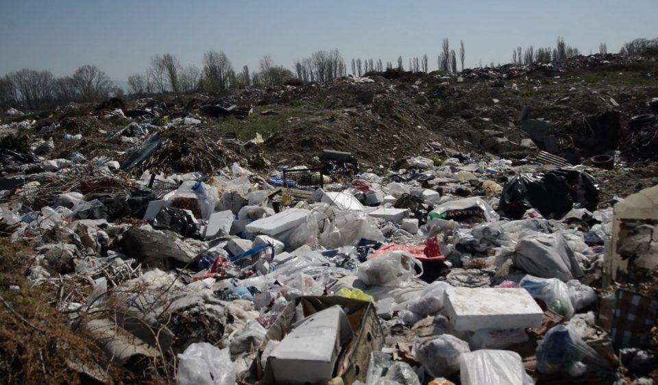 Траорни сцени од дивата депонија во Ѓорче, граѓаните алармираат дека цело Скопје е пред еколошка катастрофа