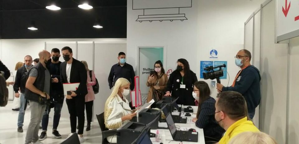 Карлеуша примила вакцина денес, Србија стигна до естрадните ѕвезди ние до премиерот