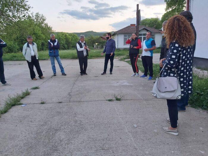 Граѓаните се разочарани од власта, живеат тешко, бараат промени: Пратениците на ВМРО-ДПМНЕ на средби со народот