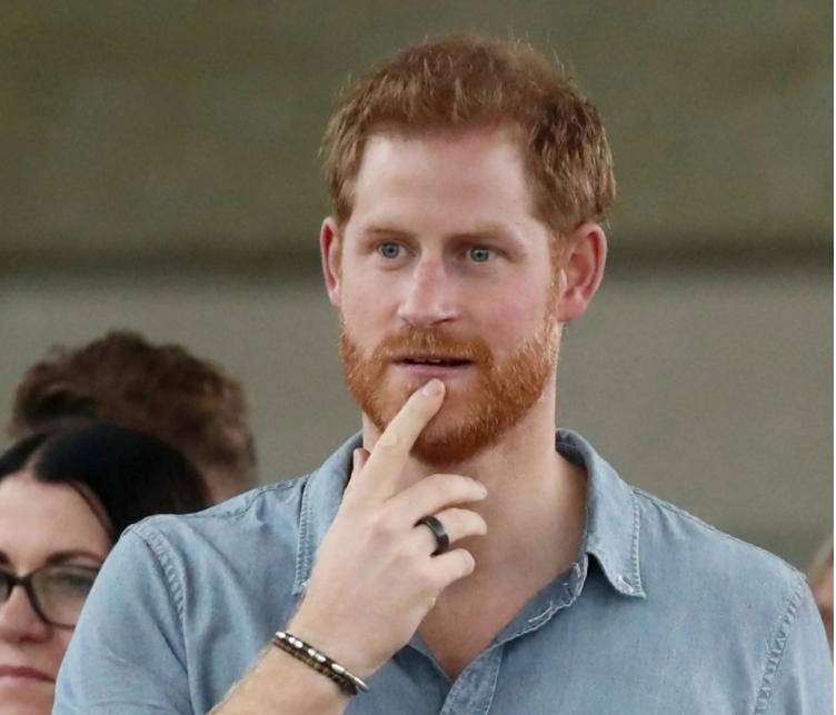 """Принцот Хари на популарниот американски поткаст """"Armchair Expert"""" го спореди кралскиот живот со зоолошка градина!"""