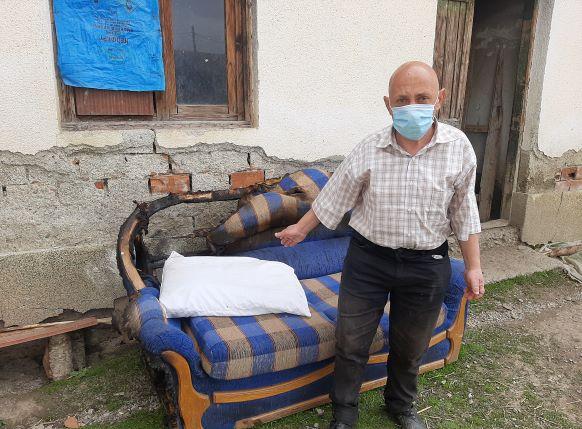 Болниот син повторно ја запали куќата, на Психијатрија не ми го примаат: Петчлено смејство бара помош