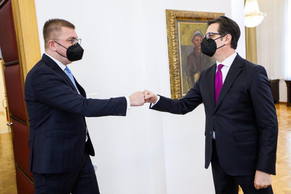 Кабинет на претседателот: Пендаровски никогаш во јавноста не коментира детали и барања од своите соговорници