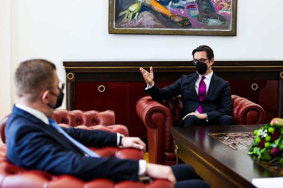 Мицкоски: Пендаровски покажа две лица, едно зборуваше внатре, а друго пред камерите