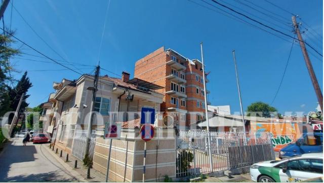"""Урбанистички хаос – зад """"Водњанска"""" никна зграда со 17 станови без пристапен пат, соседите реагираат за низа неправилности"""