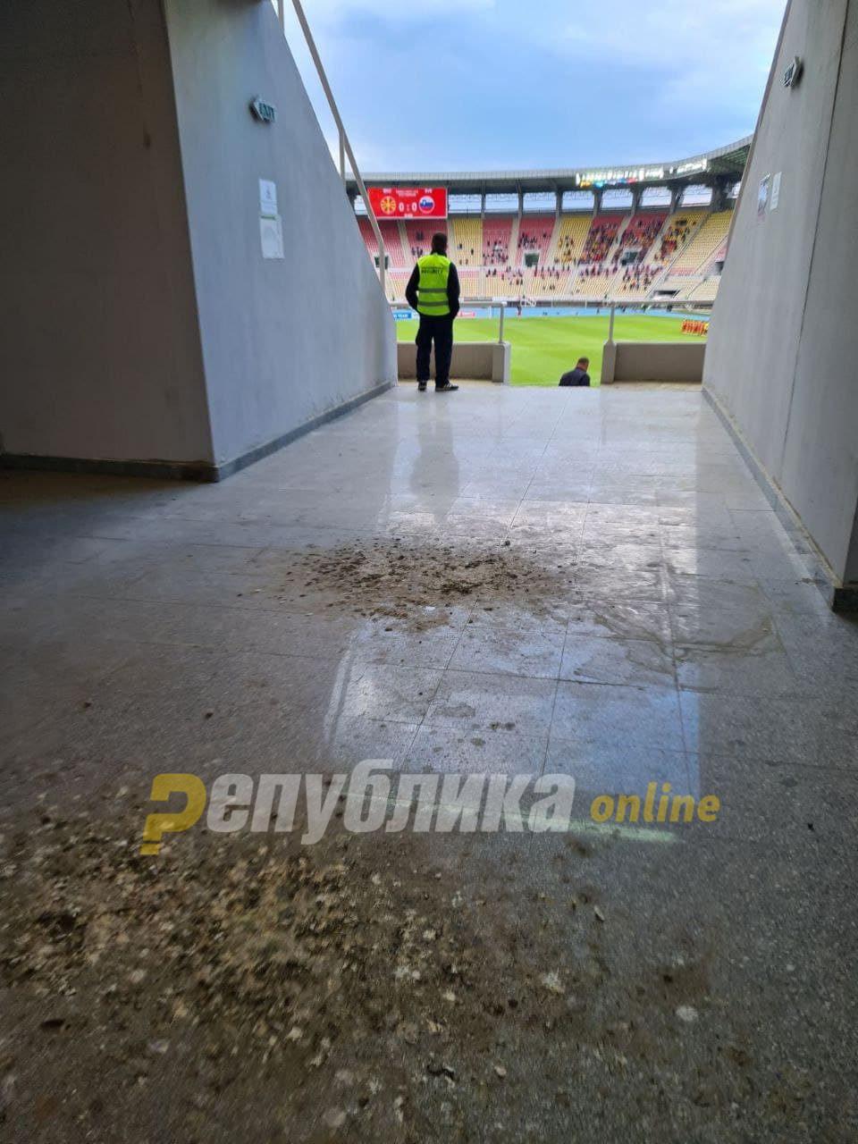 Градскиот стадион во Скопје како кокошарник, валкан и полн со цигари и отпушоци