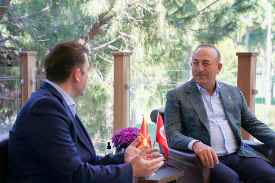 Средба Османи-Чавушоглу: Двете земји негуваат долго и блиско пријателство со исти вредности по однос на мирот и стабилноста во регионот