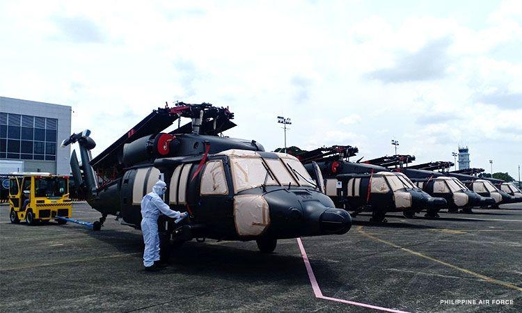"""Блек хоук даун"": Шестмина загинати при уривање на хеликоптер на Филипините"