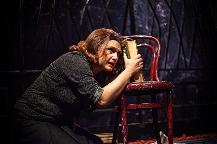 """Драмски театар со """"Кармен"""" го отвора Фестивалот на монодрама во Битола"""