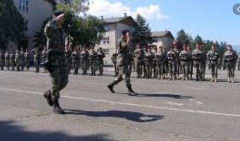 """Младиќ беше офицер во касарната """"Маршал Тито"""", живееше во населбата Аеродром"""