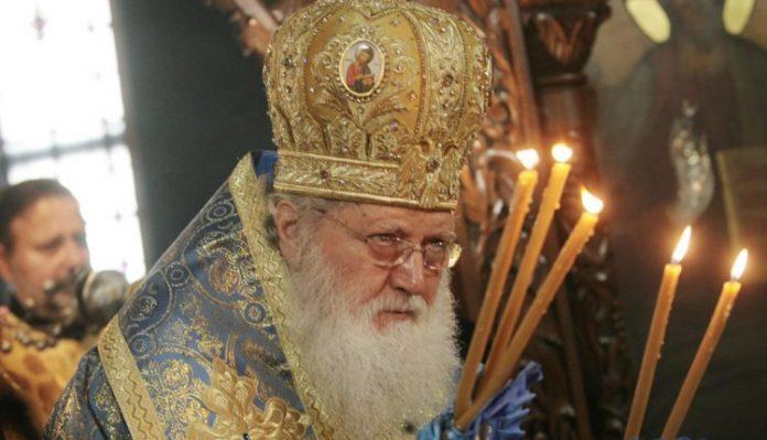 Бугарскиот патријарх Неофит пренесен во болница, ситуацијата е сериозна