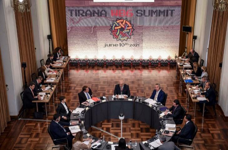 Балканските лидери на заедничка маса во Тирана: Инвестициите и економијата приоритет