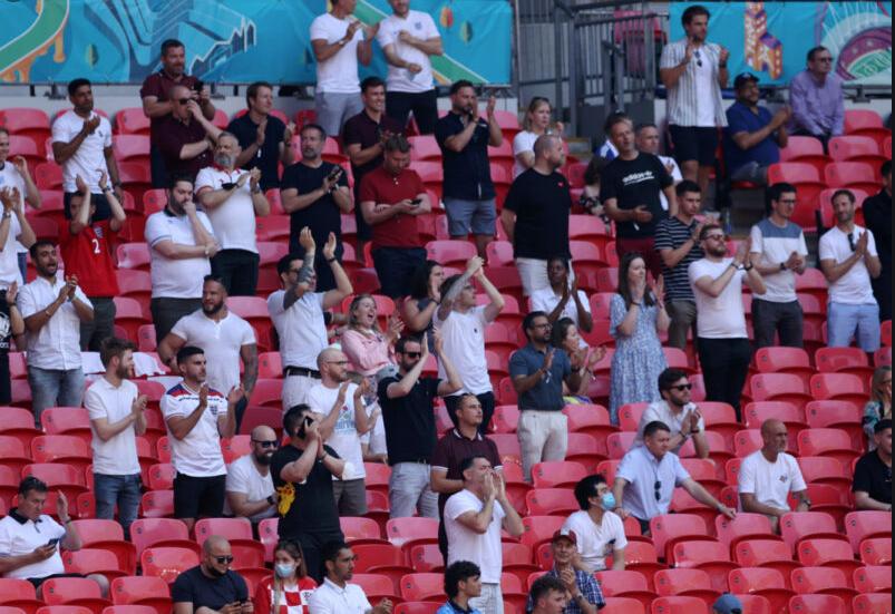 """Навивач падна од трибините на """"Вембли"""" на натпреварот Англија – Хрватска"""