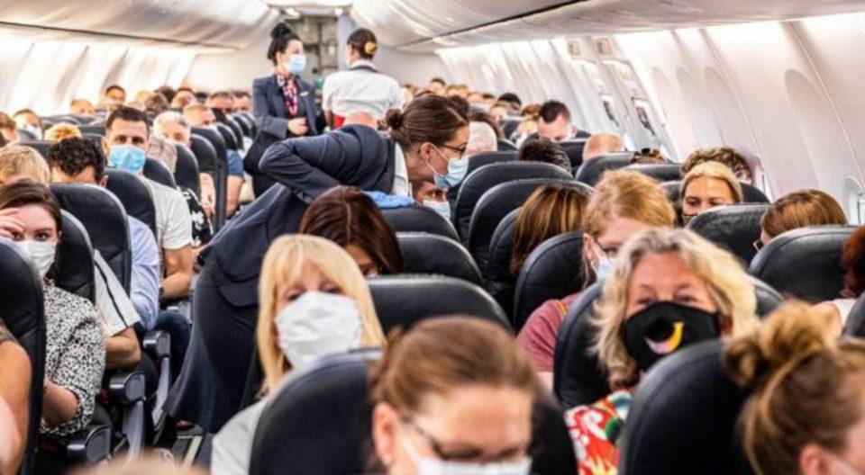 Овие места во авионот се најопасни за ширење на коронавирусот