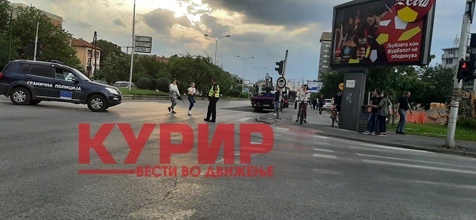 Гори автобус во центарот на Скопје