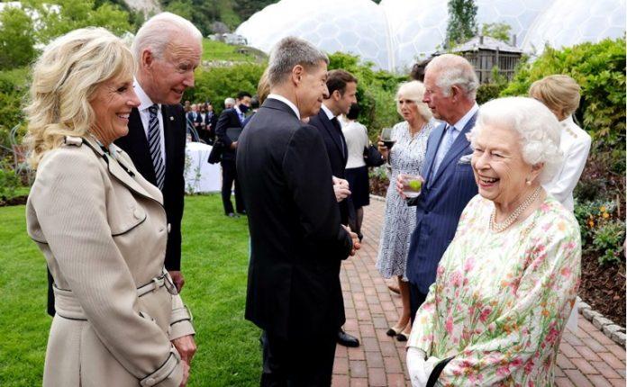 Бајден за кралицата Елизабета: Ме потсети на мајка ми, а ме праша за Путин и за Џинпинг