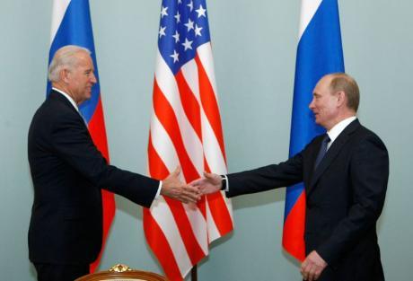 Бајден и Путин ќе се сретнат првпат во Женева под строго засилени мерки