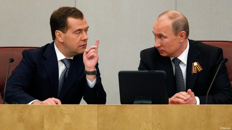 Медведев не е меѓу водечките кандидати за изборите коишто ги објави Путин
