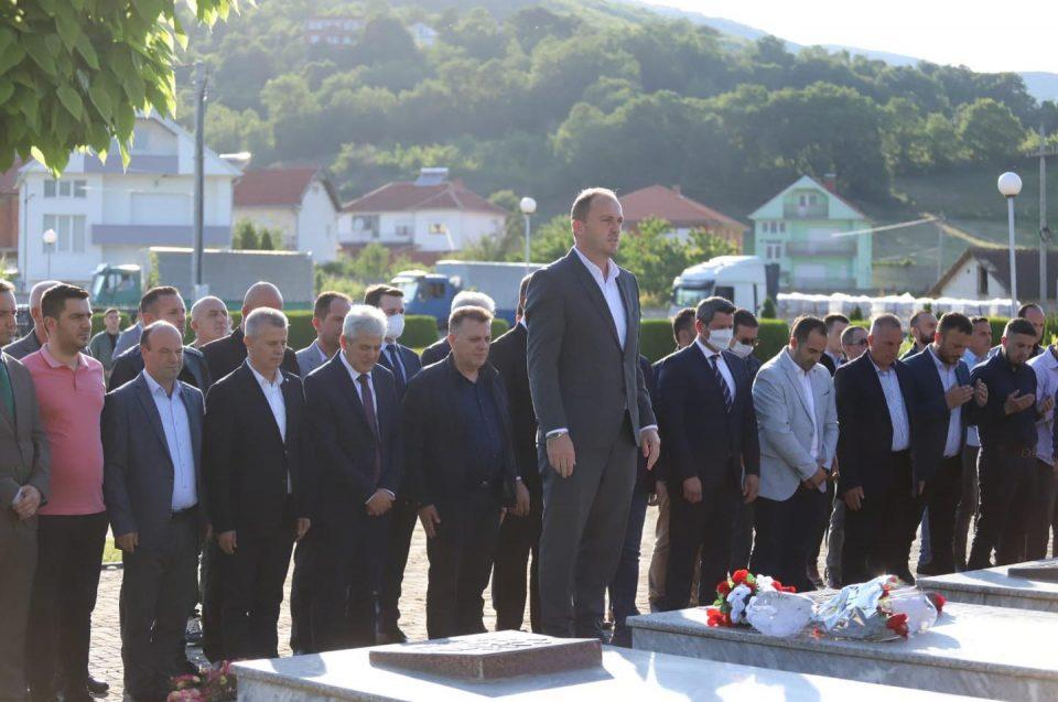 За Денот на албанската азбука во Липково ќе осамне спомен-кула за УЧК