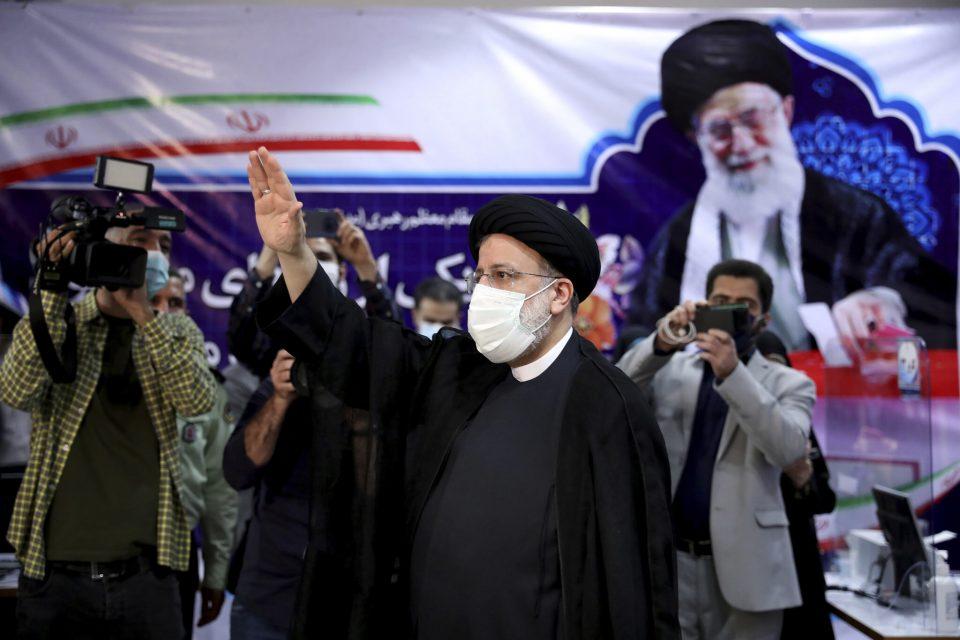 Новиот претседател на Иран: Народот сака реформи и борба против корупцијата
