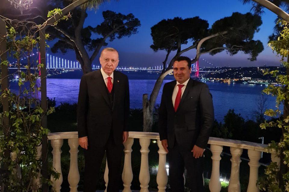 Му ги истегна ли Ердоган на Заев ушите заради Седат Пекер?