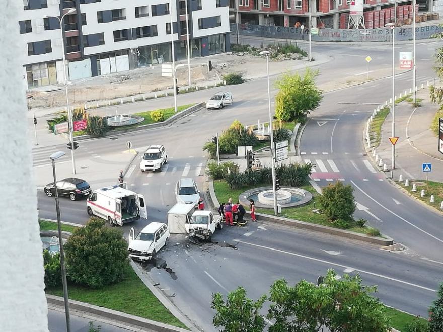 """Утрово тешка сообраќајка кај """"Скопјанка"""""""