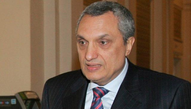 Поранешниот бугарски премиер Иван Костов предлага расформирање на безбедносните служби